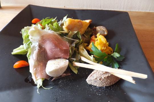 吹田・江坂「マイード ドゥエーベ」 豚と小松菜クリームパスタ