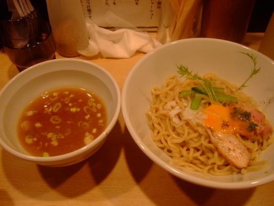 心斎橋 「麺処 維新」 和え麺とつけ麺を両方楽しめます!!!