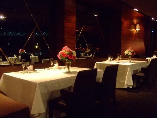 南堀江 「8G」 川辺の夜景を楽しむブライダルレストラン!!