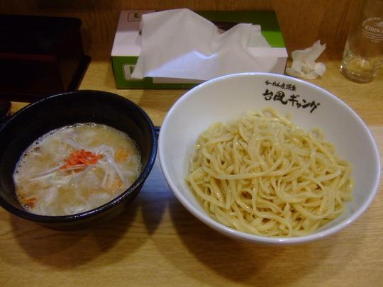中崎町 「台風ギャング」 プレオープンにお呼び頂きました!!