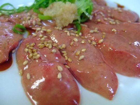 梅田 「角兵衛」 鶏肝の造りとジューシーなホルモンで大満足!