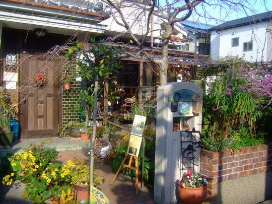 吹田・泉町 「空庵」 閑静な住宅街に佇む癒しの空間そばカフェ