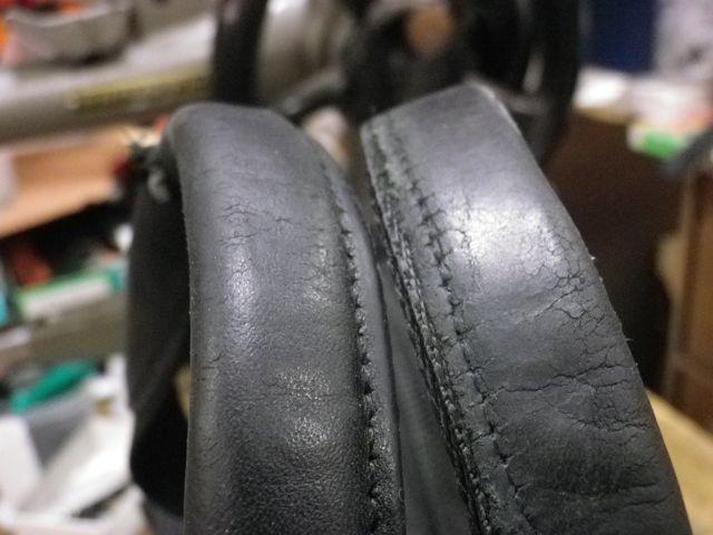 トゥミの持ち手のあて革の色を替える