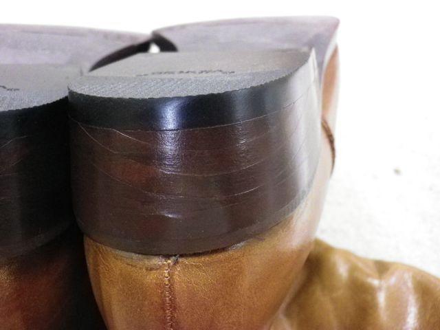 ロングブーツのかかとが削れ過ぎて。。。