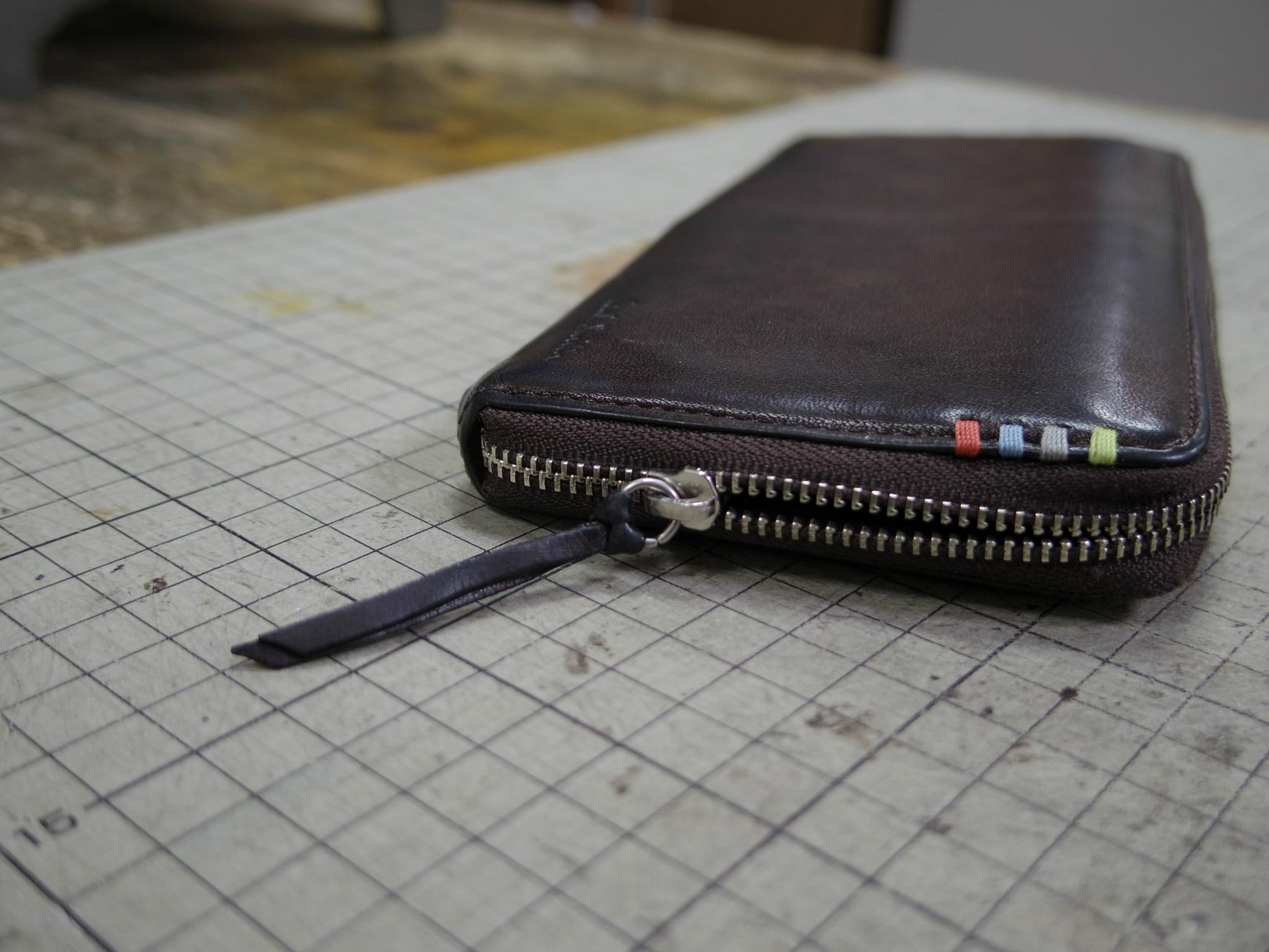 ポールスミスの財布のファスナーが閉めても開いてくる