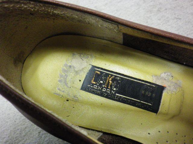 靴の中がボロボロで。。。。