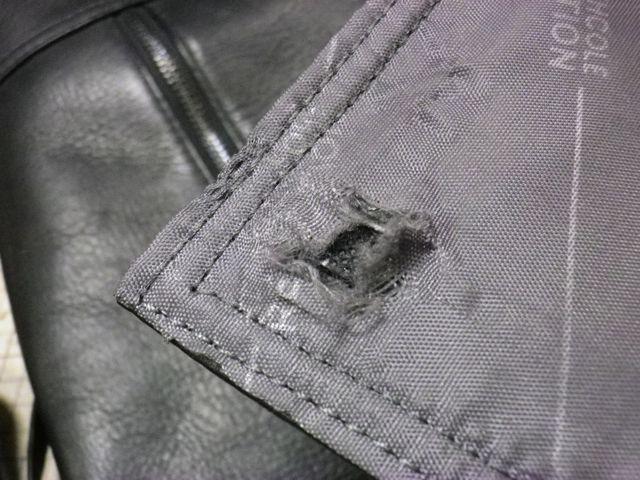 ショルダーバッグのマグネットホックが強すぎて、、
