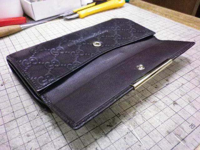 グッチの財布のホックがバカになって。。。。