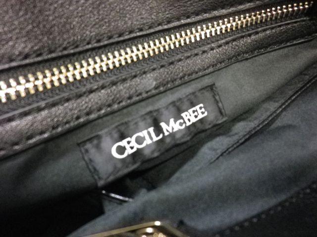 CECIL McBEE×ショルダー根股パーツ外れ