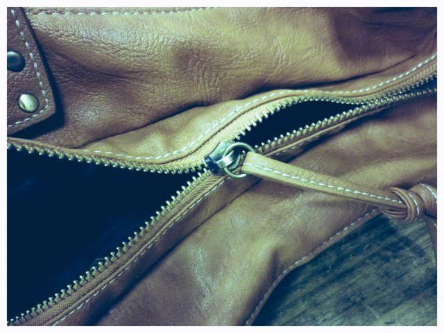 かばんのチャック閉めたのに閉まらない・・・