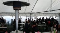 あったか飲食テントは1500席!