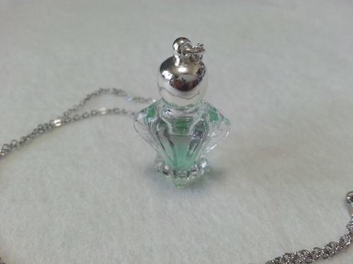 ミニ香水瓶ペンダント ニューライフ
