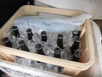 新年会 冷えたビール配達