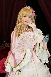 おはようコールABC 松田栞 モデル コスプレハロウィン 姫 男装 変身写真スタジオ