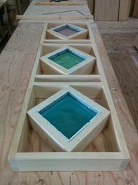 スタッフブログ「事務所で見つけた木枠の正体・・・!」