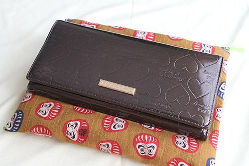 最近はお財布のお布団でサイフを寝かせています。