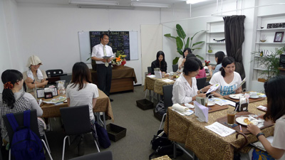 サロン(津雲台「おりなすカフェ」見学会)+その前に委員会