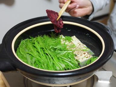 """豊南市場 ~関西ならでは鯨肉で""""はりはり鍋""""~"""