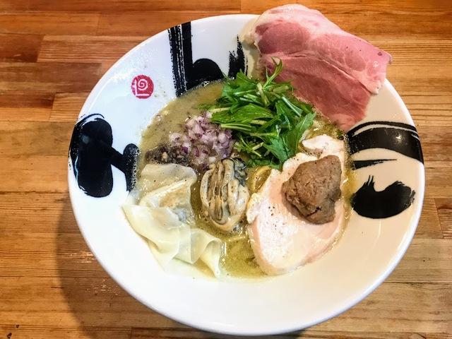 【限定】冬牡蠣の白湯そば 950円