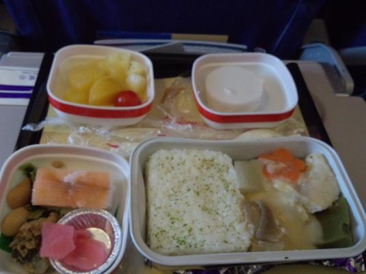 上海航空 エコノミー機内食