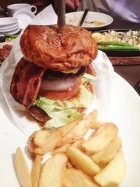 ポンドの ステーキ ハンバーグ タケル